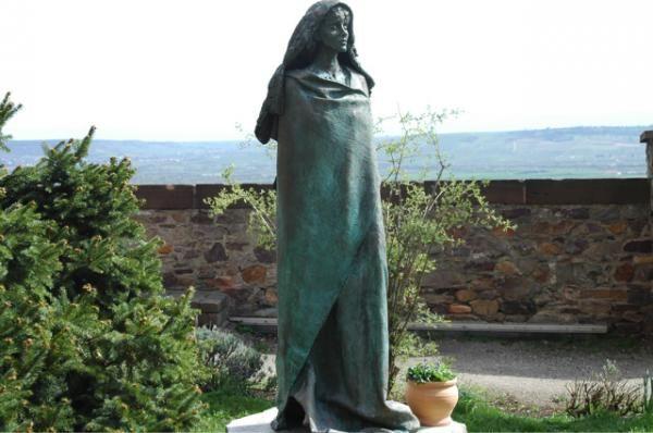 Αγία Χίλντεγκαρντ και Σίβυλλα του Ρήνου  Karlheinz Oswald (1998) Εκκλησία Αγίας Χίλντεγκαρντ στην Έση Γερμανίας
