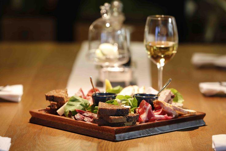 For more details visit http://www.majekahouse.co.za/#Restaurants_in_Stellenbosch.