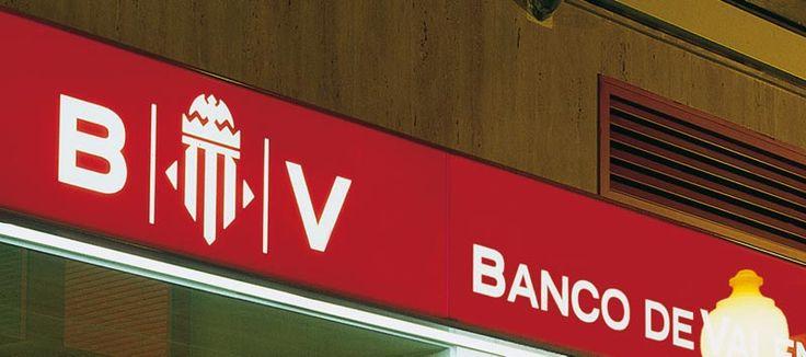 BANCO VALENCIA. Rótulo de lona con luz social.