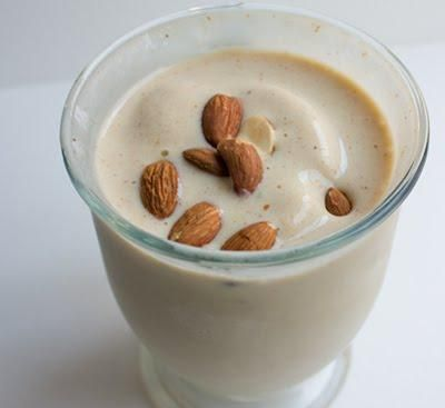 Chai Almond Smoothie - gluten, sugar, and dairy free, and only a little caffeine in the cocoa!
