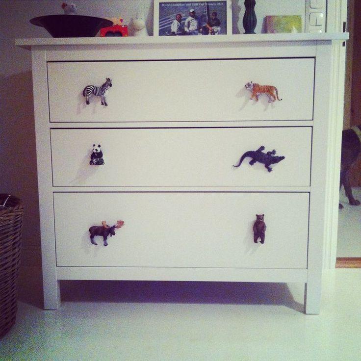#DIY animal knobs! #senkki #kaappi #barnrum #lastenhuone #kidsroom #toddler #toddlerroom #interior #knobs #fun #tiger #zebra #animals #crafty #nifty #home #design #drawer #skåp #nursery