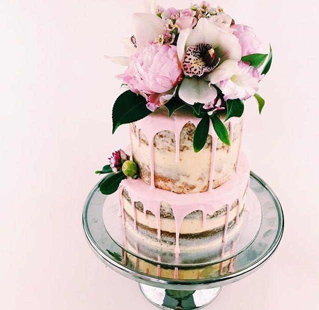 wedding inspiration || semi naked cake, pinks and flowers