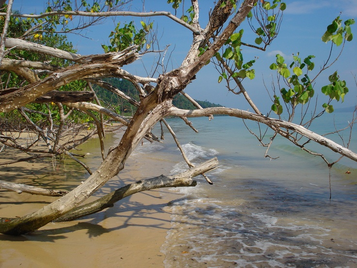 undiscovered beach on Koh Payam...and now I know! :-)