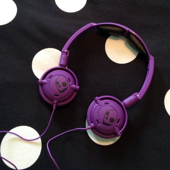 Skullcandy Lowrider Purple Headphones Purple Lowrider Skullcandy headphones--- like new!!--- used maybe once, but no stains, rips or fading Skullcandy Accessories
