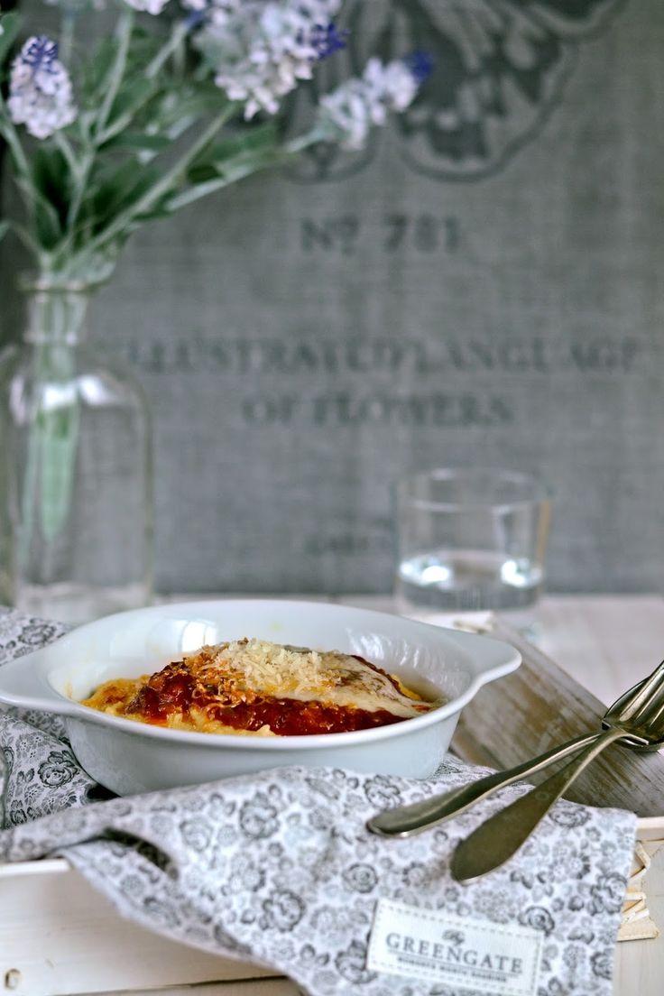y sigo en la cocina: Sémola de maíz al horno con salsa de tomates y brochetas de albóndigas