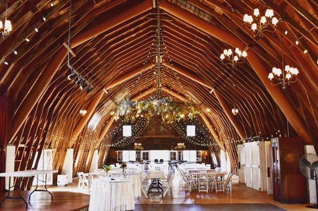 Elegant And Inviting Wedding Reception In The Barn The Blue Dress Barn Benton Harbor Mi Barn Wedding Grand Rapids Wedding Outdoor Wedding