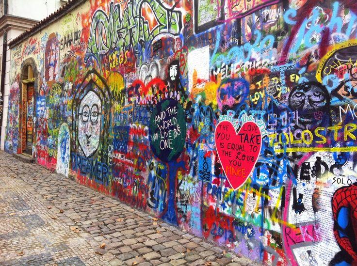 Dat Nature: Graffiti on a hidden street in Prague