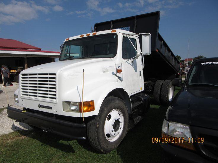 Navistar International 4700 dump truck
