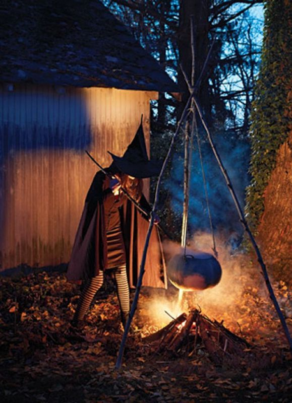 25 most scary outdoor halloween decoration ideas - Spooky Outdoor Halloween Decorations