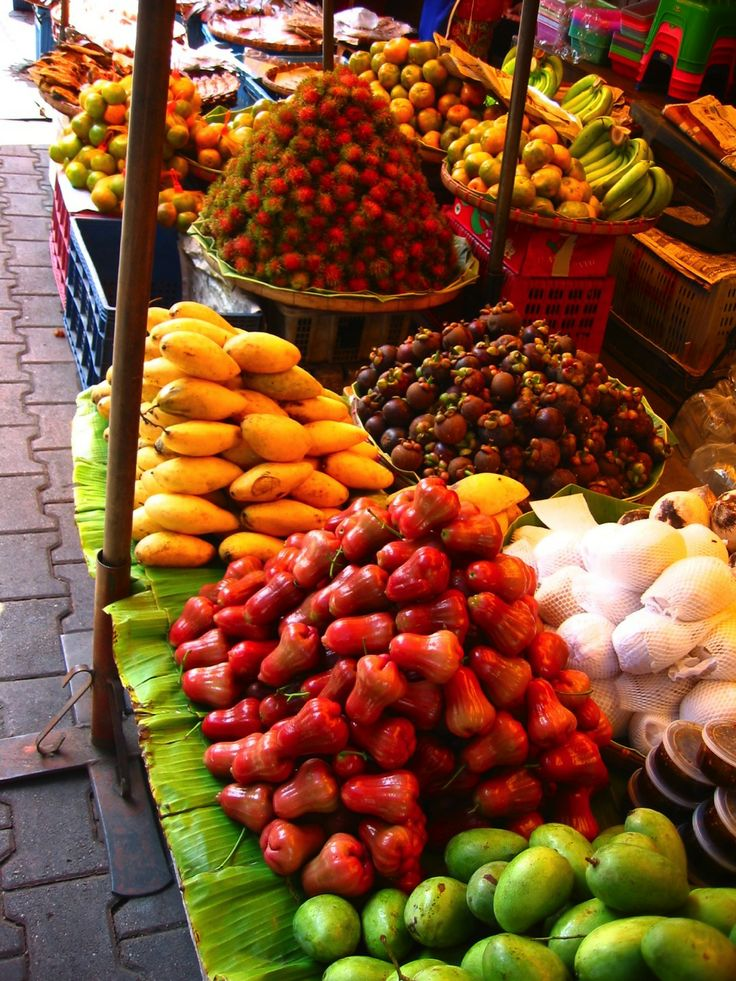 Fruit farmers Market, Chiang Mai, northern Thailand