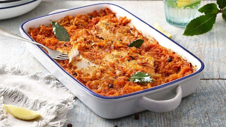 W Kuchni Lidla znajdziesz także przepisy na lżejsze wersje świątecznych potraw. Przygotuj pieczoną rybę po grecku.