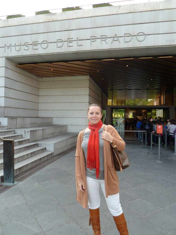 Paseando por Madrid con mi amado maxi cárdigan María Cher y botas Justa Osadía!!!