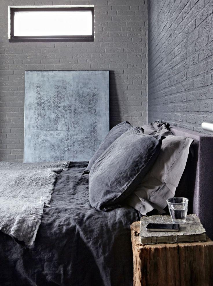 Dark green bedroom   Styling @marianneluning   Photographer Alexander van Berge   vtwonen March 2011