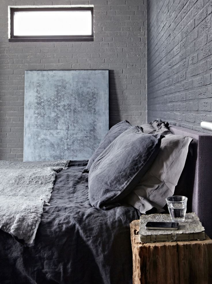 Dark green bedroom | Styling @marianneluning | Photographer Alexander van Berge | vtwonen March 2011