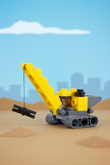 Day 4: Toy Crane by powerpig,