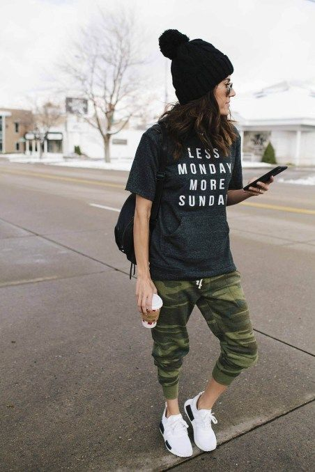 f5e3b7f08596 42 Stylish Womens Jogger Outfits Ideas For Winter