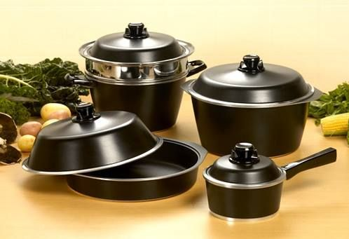 Hello All,I hope you enjoyed your weekend. Here is a question for you Bessemer lovers. What is your favourite item in the Bessemer Cookware range?