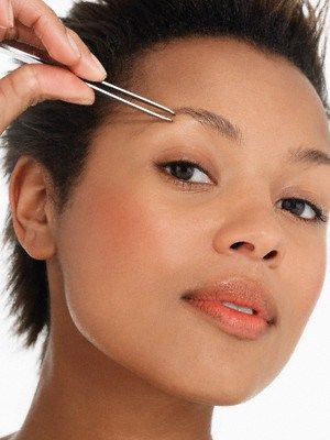 Tips To Pluck Eyebrows Perfectly