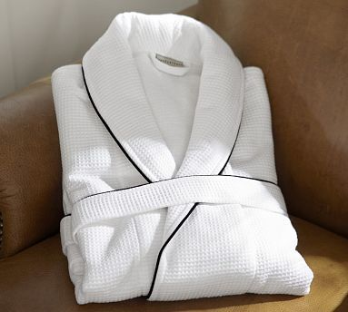 Hotel Piped Trim Robe: Nothing beats relaxing in your own home is a luxury bath robe