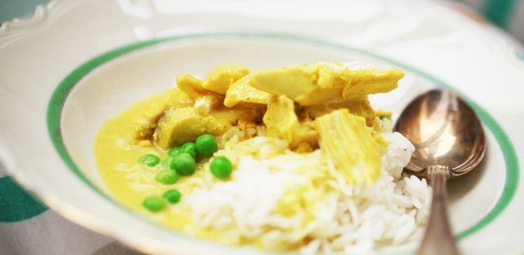 I boken Hela Sveriges Husman finns detta fantastisk receptet på kyckling i currysås. Oftast när jag följer recept så följer jag dom inte så noga utan använder mer som riktlinjer men just detta receptet följdes till punk och pricka och kan verkligen rekommenderas! Ingredienser 1 hel kyckling (à 1 kg) ca 1 1/2 l vatten […]