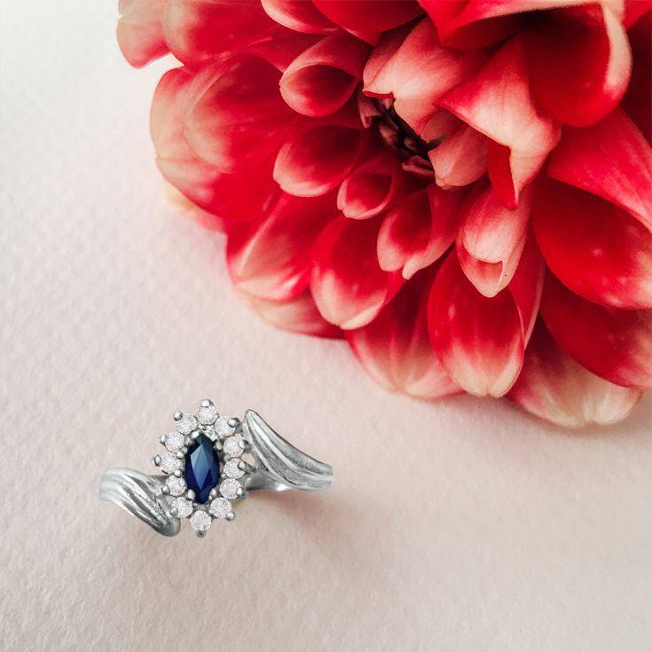 Sapphire and diamonds. #jewelry #jewellery #ring #sapphire #diamonds