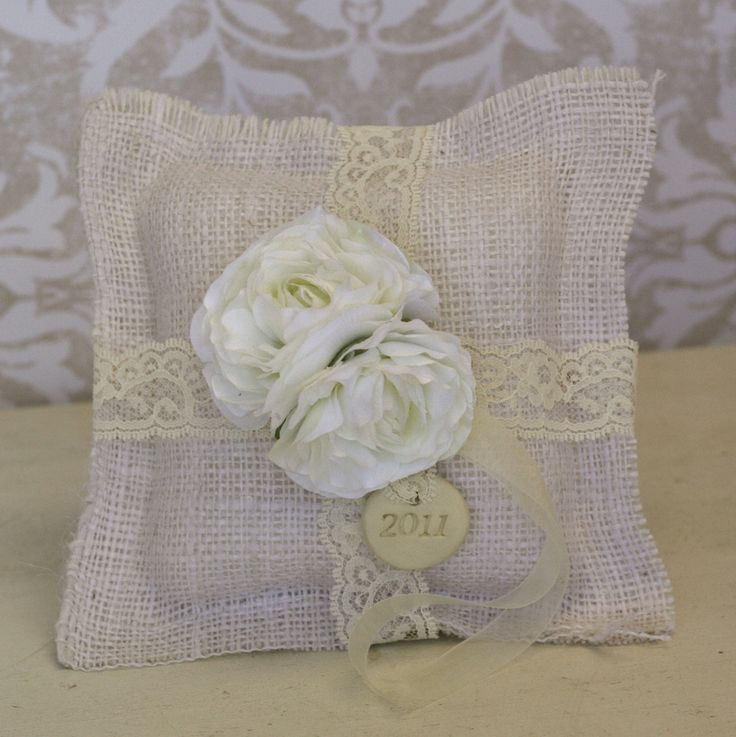 17 Best images about pillows on Pinterest Sofa chair, Lace and Shabby chic sofa
