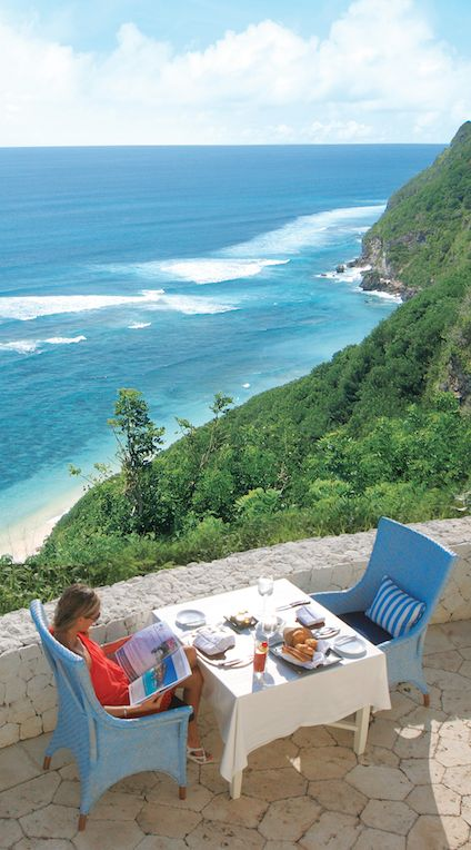 It's tempting to stay inside your villa, but be sure to venture out to the hotel's bar. #Bali