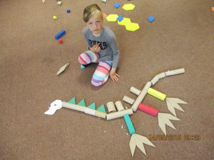 dinosauři z ekomaeriálu