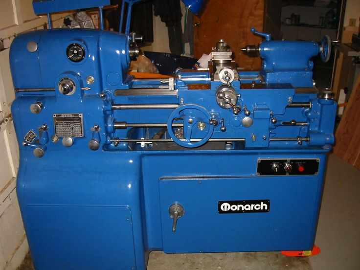 The awesome precision of the Monarch 10EE. A later model given the layout of the electrical controls. Probably a poor painting on top of the original colors. Note the ELSR control on the far right of the lathe.