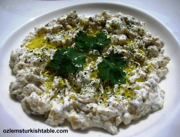 Smoked eggplant salad with garlic yoghurt and mint – Patlicanli Yogurtlama