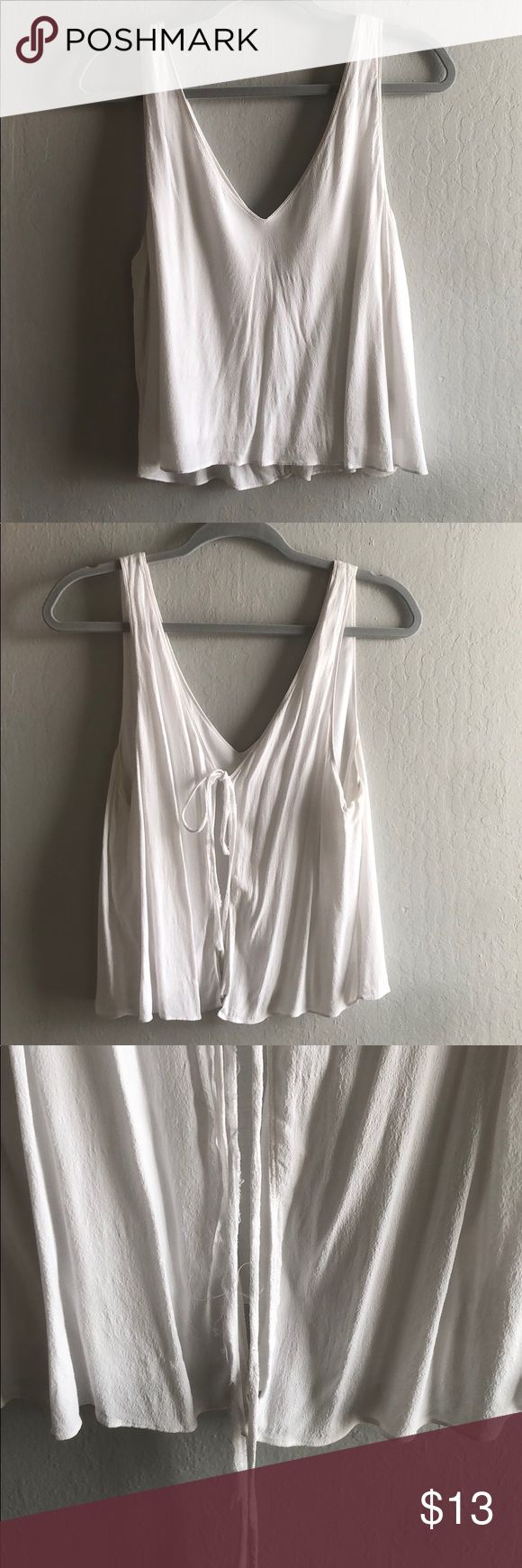 50 Best Back To Front Before After Remodelling Projects: ARITZIA Wilfred Cropped Tank Top White Tank With Tie Back