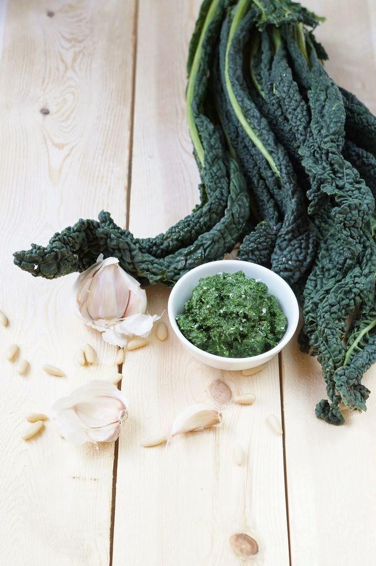 Kale pesto | Pesto di cavolo nero | cucchiaio di stelle.com