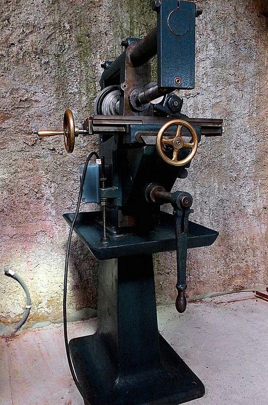 17 best images about milling machines on pinterest 1920s homemade and vintage. Black Bedroom Furniture Sets. Home Design Ideas