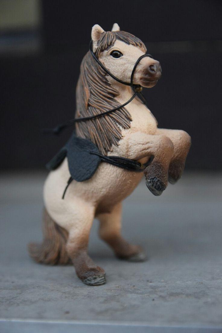 Schleich Pony mit Sattel, ganz einfach selbstgemacht <3