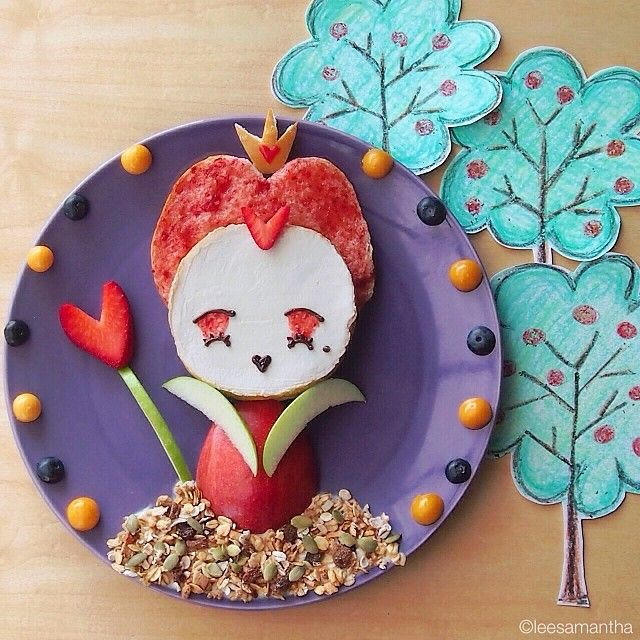 Pin for Later: 61 Food Art Ideas For Kids That Are Almost Too Cute to Eat The Edible Queen What a scrumptious-looking Queen of Hearts! Any guesses on what she's made out of?