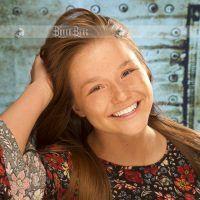 Senior Model Lauren Miller of Sheldon HS