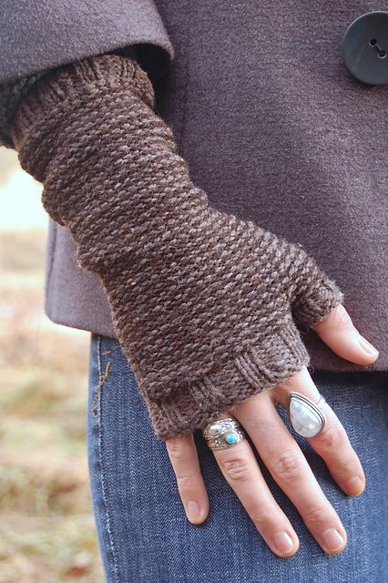 Earl Grey Mitts by Bristol Ivy, in Brooklyn Tweed Shelter