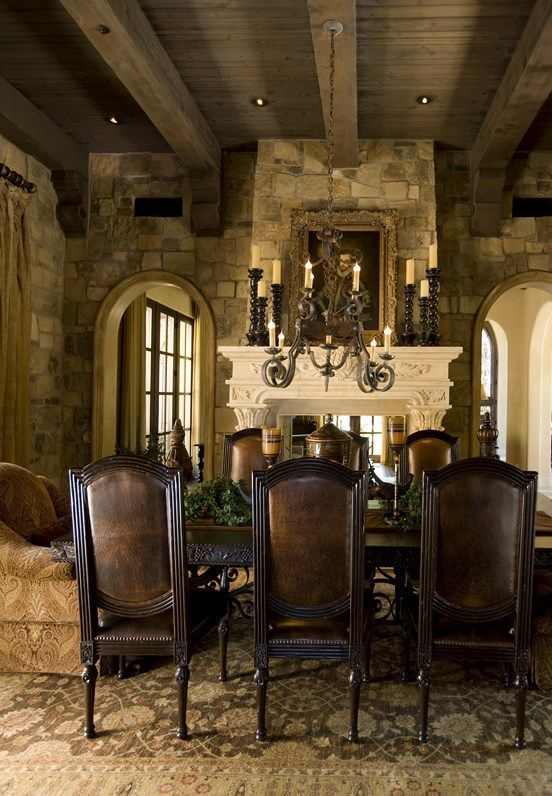 This is gorgeous. I love the beams on the ceiling !