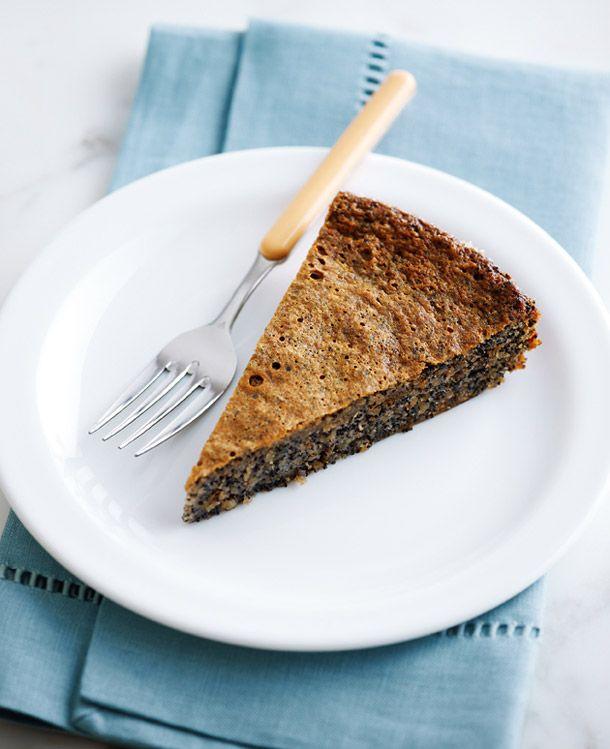 walnut-poppyseed-cake