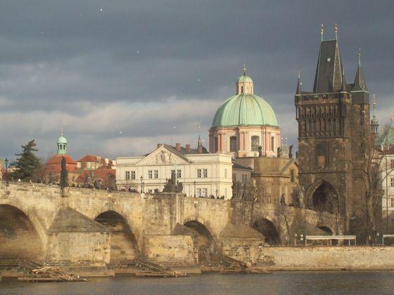 #Praha - #Praga - Cielo ribelle sul Ponte Carlo - di Hindi