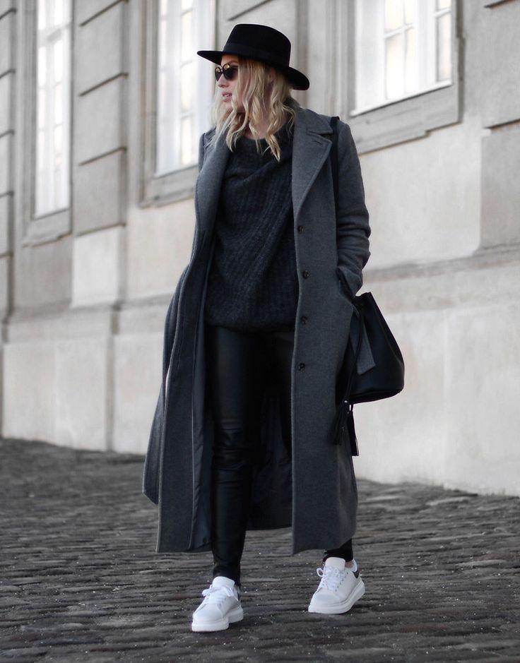 Cecilie Krog - Grey on grey
