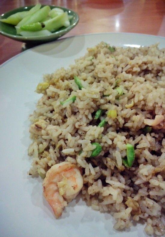 Nasi goreng pete ikan bakar cianjur (ibc) indragiri.. harga 28 ribu.. rasa: huwenakkkk..porsi lumayan banyak..top