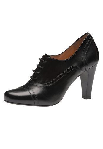 Wunderbar zeitlos: Der Schnürpumps von Evita Shoes begeistert durch Klasse und Wandelbarkeit. Getragen zu Kostüm oder Businessanzug unterstreicht er einen souveränen Auftritt, kombiniert zur Jeans verleiht er jedem Styling eine gewisse Nonchalance. Evita - Leidenschaft für italienische Schuhe Absatzhöhe 8 cm Absatzart Trichterabsatz Hinweis Fällt passend aus!