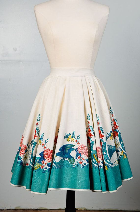 1950s Full linen circle skirt with Australian themed tropic print fabric    ~ circle skirt style    ~ off white    ~ New Zealand tropical themed