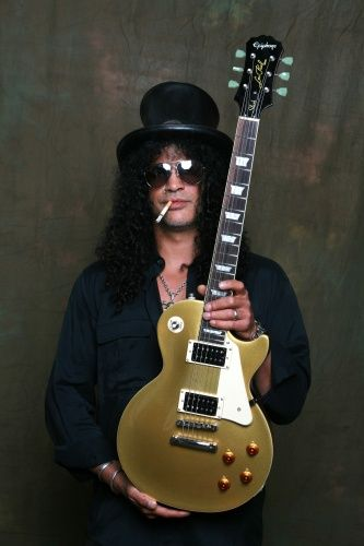 Slash with a Gold Gibson Guitar, exactly the same as my old one! :-(