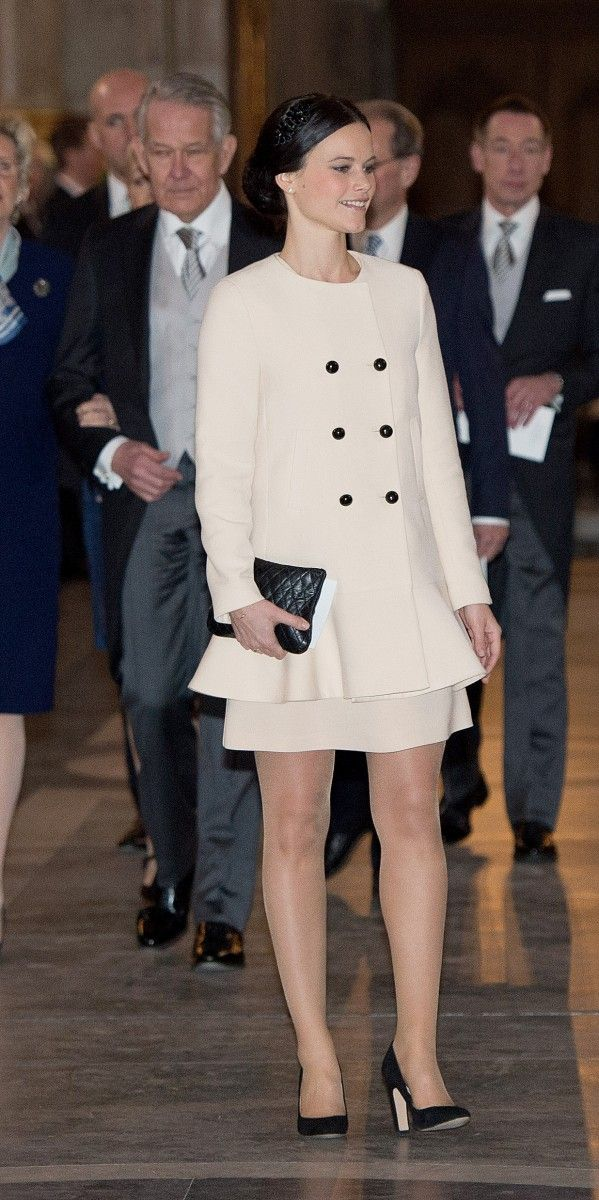 Sofia Hellqvist was among the guests invited at Te Deum on the 2nd of March at the Royal Chapel in connection with Princess Leonore's birth. All eyes were on Prince Carl Philip's girlfriend, who many speculated soon would become engaged to the country's prince. Sofia wore an elegant coat from Zara as she walked down the church floor towards her seat.