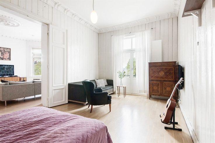 FINN – FROGNER/MELTZERS GATE: Herskapelig og klassisk eierleilighet med to balkonger, to bad, p-plass og ildsteder. P-rom 181 kvm. Sjelden anledning.