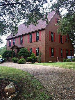 I LOVE this house - New England Salt Box