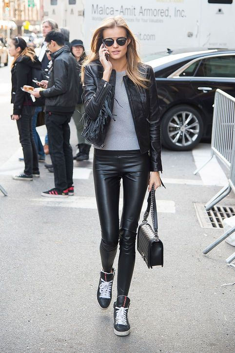 Victoria's Secret Model-Off-Duty Uniforms: 2 Casual Outfit Ideas to Try Right Now: Glamour waysify