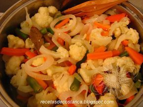 Cocina Costarricense: vinagreta o escabeche Está receta es rica en nutrientes y vitaminas de las verduras conque se prepara Y es un excelente acompañamiento par nuestros platillos